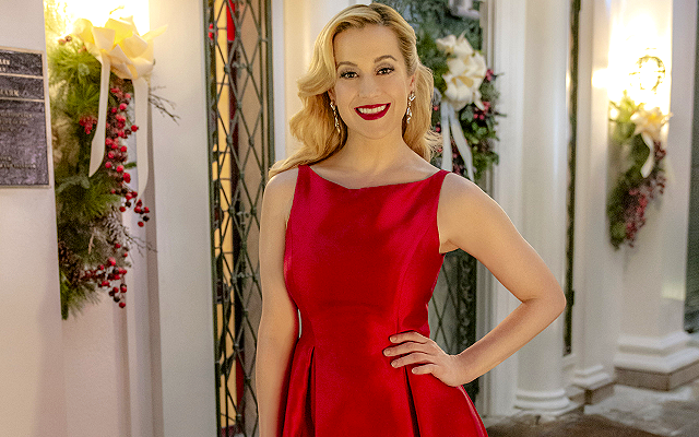 Christmas At Graceland Hallmark.Kellie Pickler S Fashion From Hallmark S Christmas At