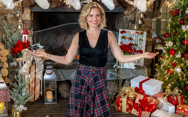 candace cameron bures holiday outfit from hallmarks miracles of christmas preview special - Candace Cameron Christmas Movies