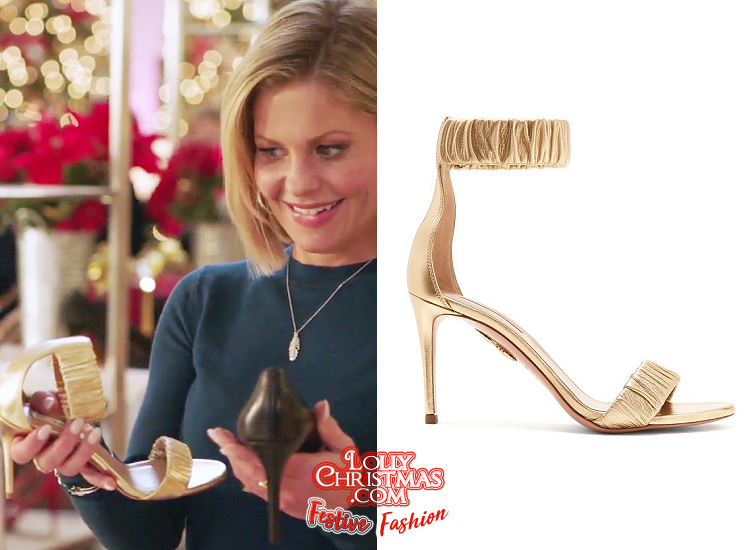 A Shoe Addicts Christmas.Candace Cameron Bure S Fashion From Hallmark S A Shoe