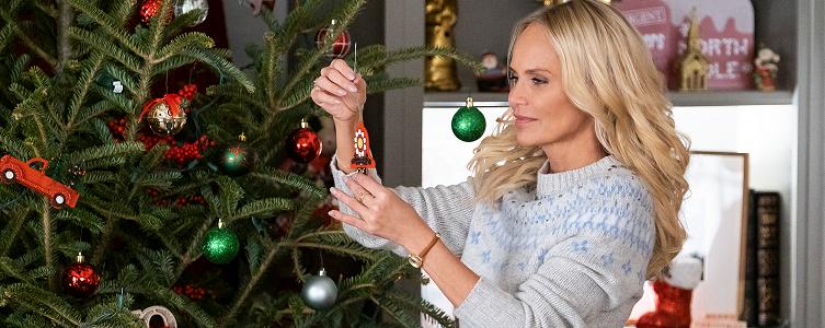 Home Alone Christmas Reunion 2019.Lolly S 2019 Holiday Tv Guide Lollychristmas Com