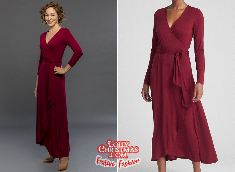 "Autumn Reeser's Festive Fashion from Hallmark's ""Christmas Under the Stars"" – LollyChristmas.com"